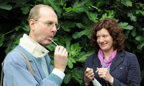 Michael Ibsena direct descendant of Richard III's eldest sister, Anne of York, uses an oral swab
